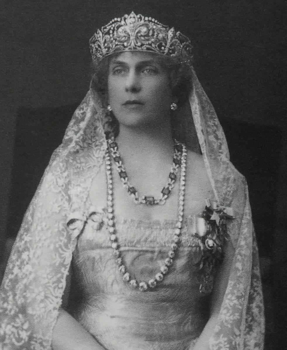 Queen Consort of Spain Victoria Ena (Scorpio)