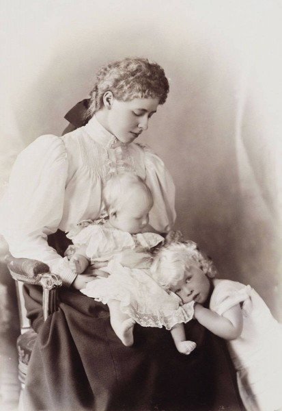 Queen of the Hellenes Elisabeta